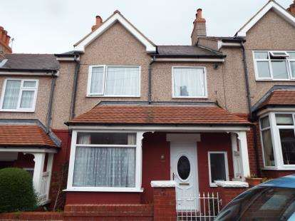 3 Bedrooms Terraced House for sale in Clovelly Mount, Conwy, Colwyn Bay, LL29