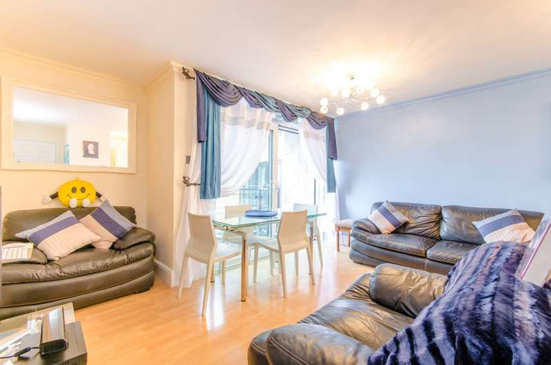 1 Bedroom Flat for sale in Inverness Mews, Docklands, E16