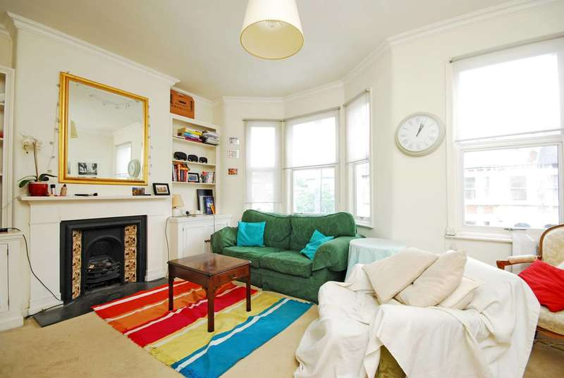2 Bedrooms Flat for sale in Stephendale Road, Sands End, SW6