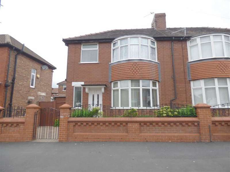 3 Bedrooms Property for sale in Lewis Avenue, Blackley, Manchester, M9
