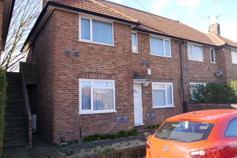 2 Bedrooms Maisonette Flat for sale in Windsor Road