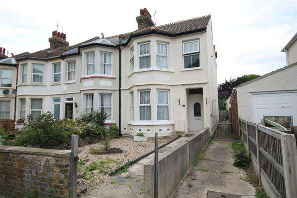 4 Bedrooms House for sale in Walton Road, East Clacton