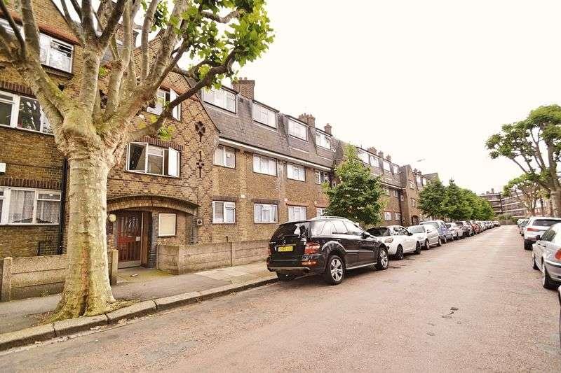 2 Bedrooms Flat for sale in Holgate Avenue, Battersea, SW11