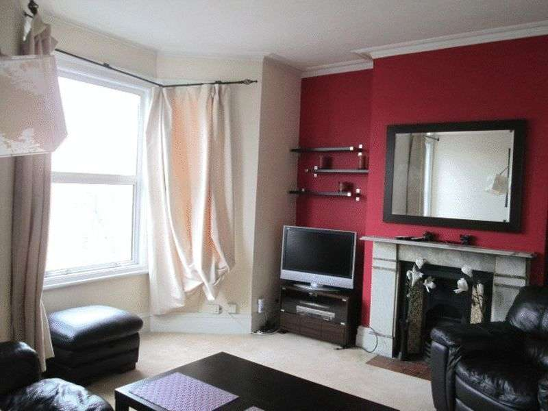 2 Bedrooms Flat for sale in WIMBLEDON - 2 DOUBLE BEDROOM CHARACTER FLAT CLOSE TO TOWN CENTRE AND STATION