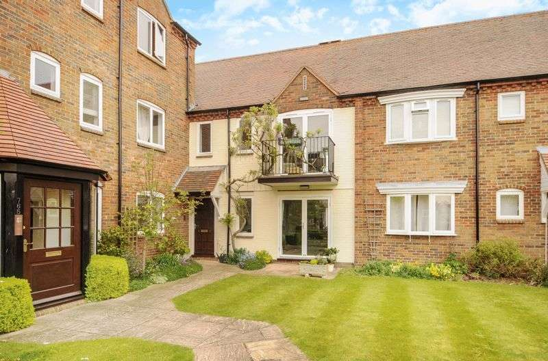 2 Bedrooms Flat for sale in West Quay, Abingdon