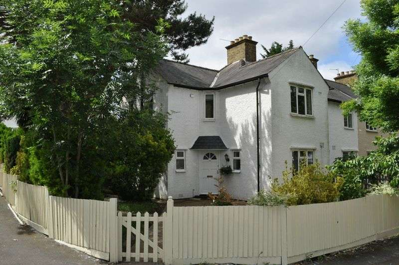 3 Bedrooms Semi Detached House for sale in Priory Road, Hampton