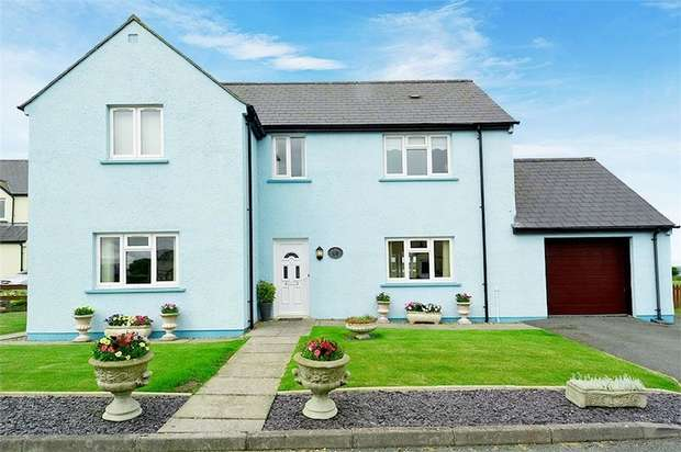 4 Bedrooms Detached House for sale in West Bay Close, Angle, Pembroke