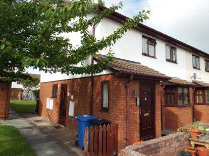 2 Bedrooms House for sale in Gwelfryn, Prestatyn, Denbighshire, LL19