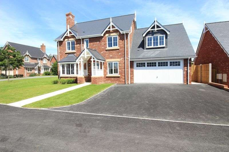 4 Bedrooms Detached House for sale in Elm Tree Park, Llanymynech