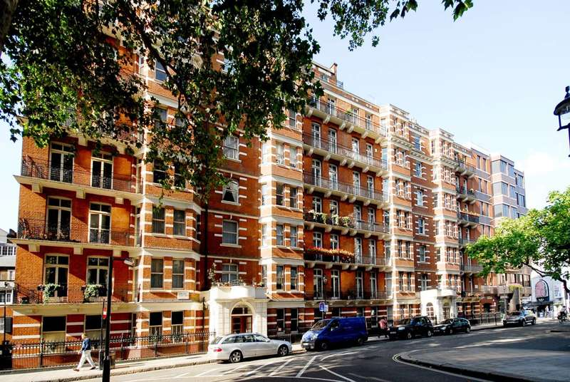 3 Bedrooms Flat for sale in Evelyn Mansions, Westminster, SW1P