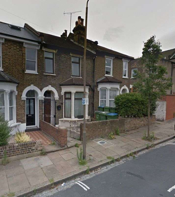 3 Bedrooms Terraced House for sale in Hardman Road, London