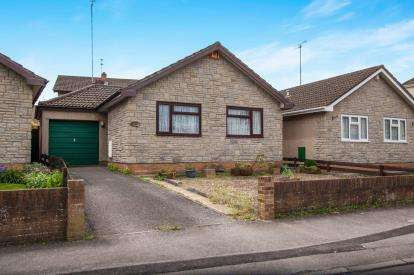 2 Bedrooms Bungalow for sale in Middle Road, Bristol, South Gloucestershire