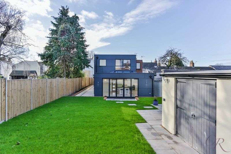 4 Bedrooms Detached House for sale in Charlton Kings / Cheltenham Town Centre