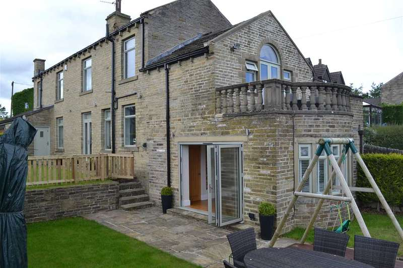 4 Bedrooms Detached House for sale in Hill Top, Queensbury, Bradford