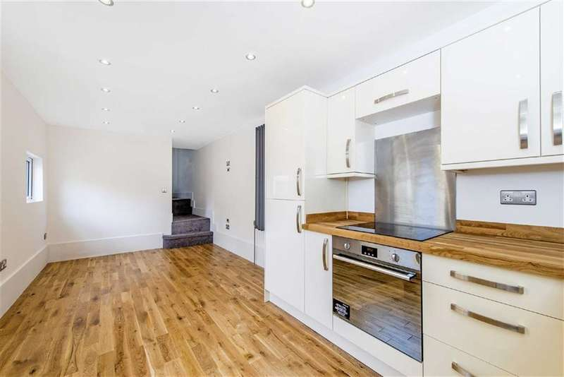 2 Bedrooms Flat for sale in Landor Rd, London