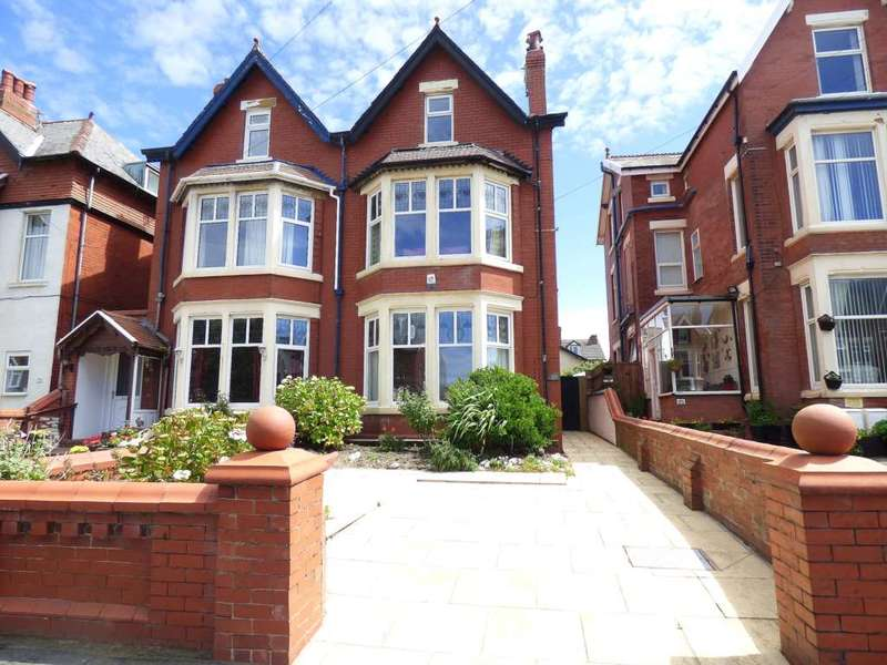 5 Bedrooms Semi Detached House for sale in Derbe Road, St Annes
