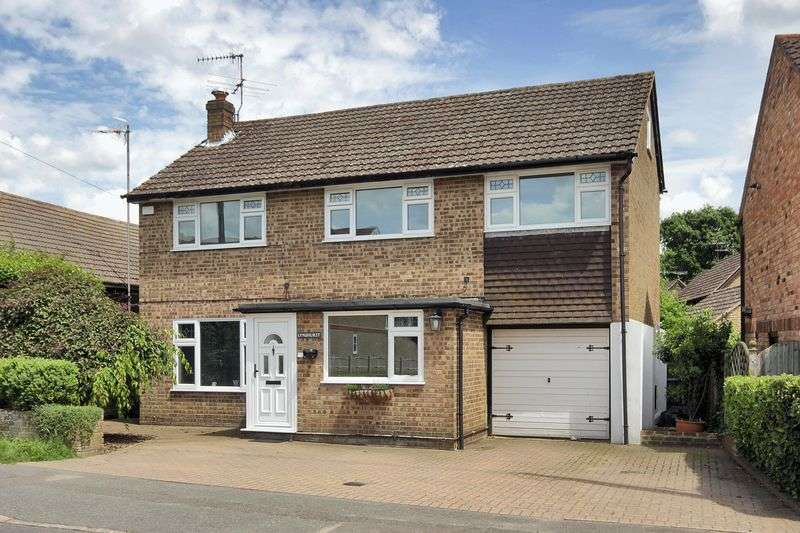 4 Bedrooms Detached House for sale in Brookhill Road, Copthorne, West Sussex