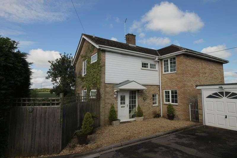 4 Bedrooms Detached House for sale in Castle Road, Lavendon
