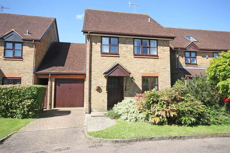 4 Bedrooms Detached House for sale in Gorse Drive, Smallfield, RH6