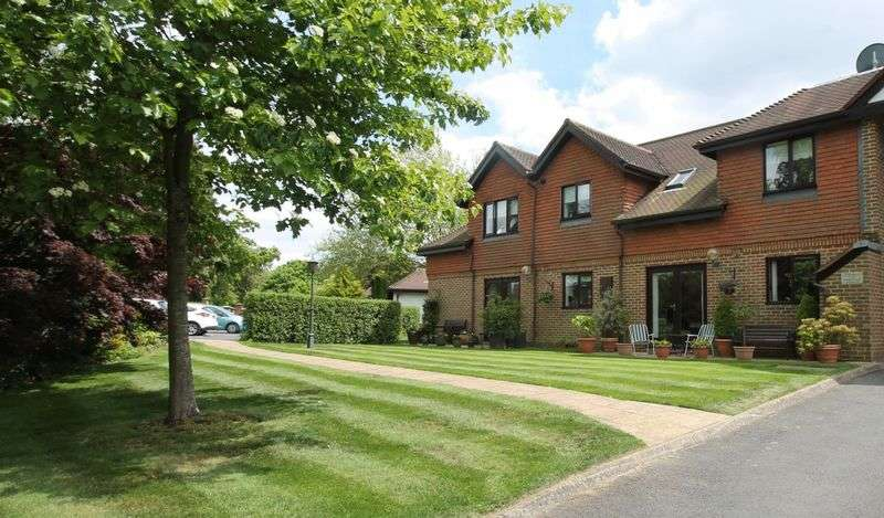 1 Bedroom Flat for sale in Tadworth