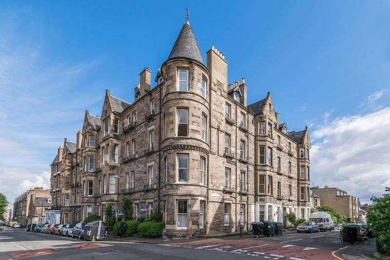 2 Bedrooms Flat for sale in 2B Upper Gilmore Place, Bruntsfield, Edinburgh, EH3 9NP