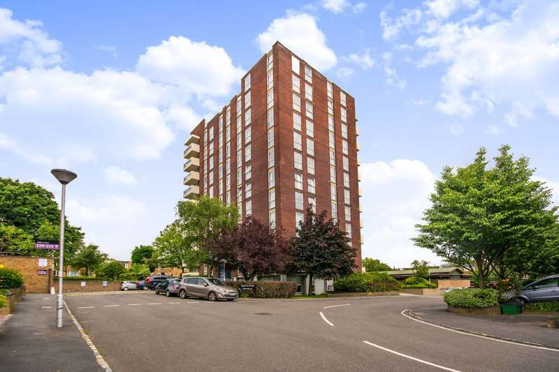 4 Bedrooms Penthouse Flat for sale in Turnpike Link, Croydon, CR0