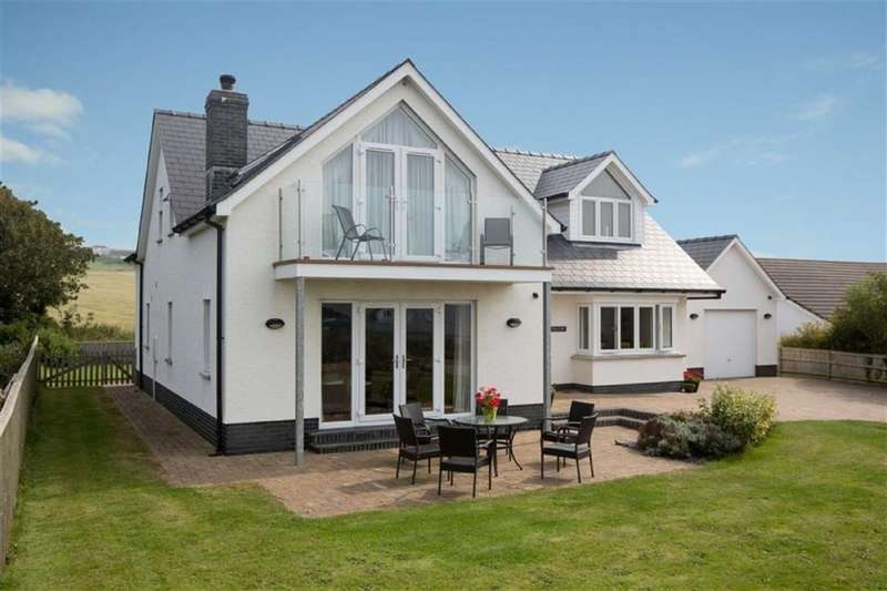 4 Bedrooms Property for sale in GWBERT ON SEA