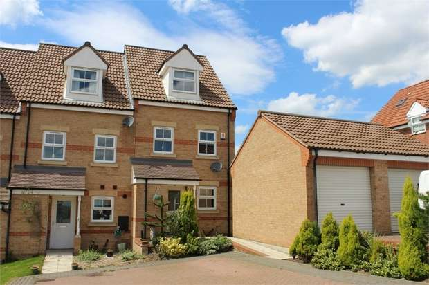 3 Bedrooms End Of Terrace House for sale in Woodhead View, Jump, Barnsley, South Yorkshire