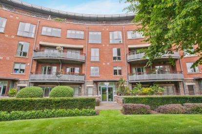 2 Bedrooms Flat for sale in Regents Apartments, Redland Court Road, Bristol