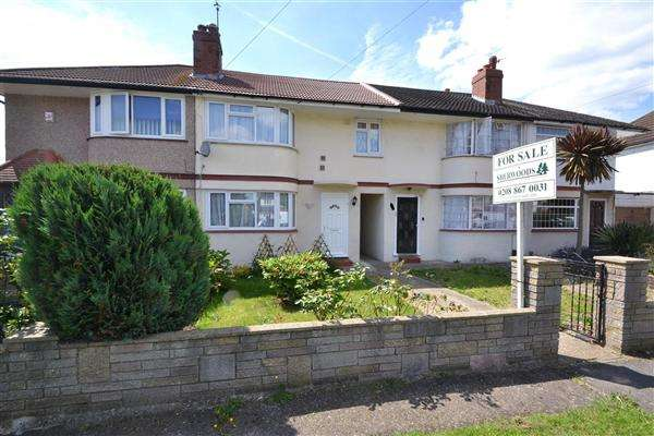 3 Bedrooms Terraced House for sale in Richmond Avenue, Bedfont