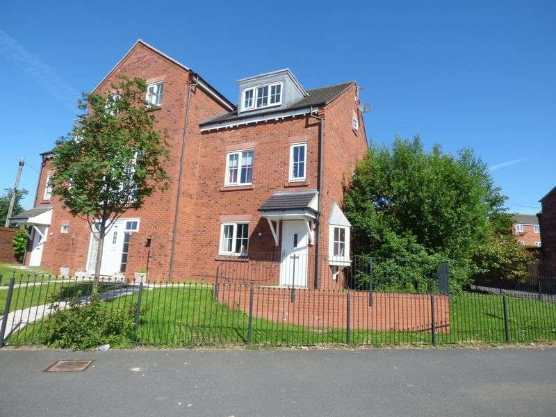 3 Bedrooms Semi Detached House for sale in Thorneycroft Drive, Warrington