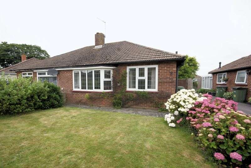 2 Bedrooms Semi Detached Bungalow for sale in Beresford Road, Stubbington, PO14