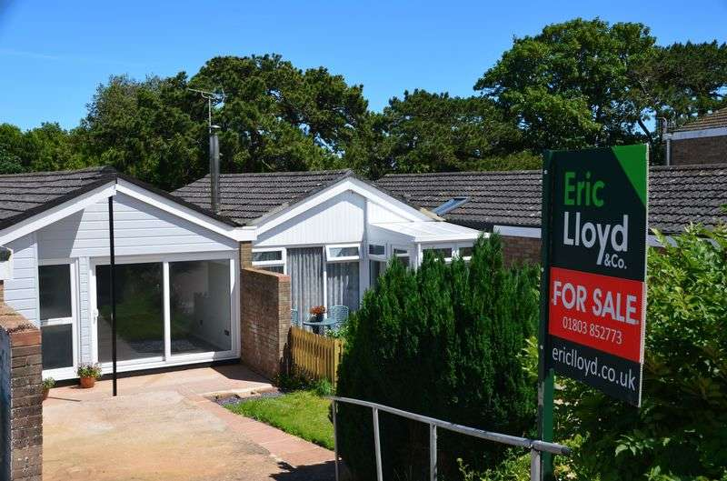 2 Bedrooms Bungalow for sale in CUMBER DRIVE BRIXHAM