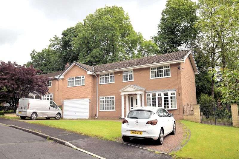 5 Bedrooms Detached House for sale in Thorneyholme Close, Lostock, Bolton