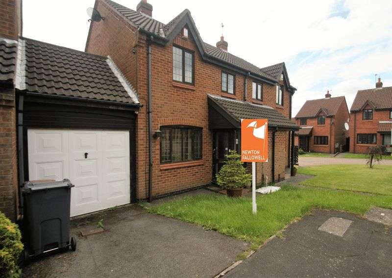 3 Bedrooms Semi Detached House for sale in St. Johns Close, Hugglescote