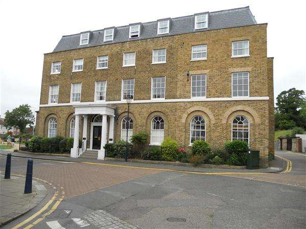 1 Bedroom Flat for sale in The Maltings, Hythe
