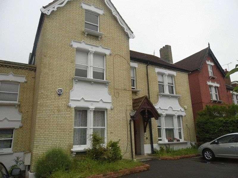 2 Bedrooms Flat for sale in Rutford Road, Streatham, LONDON