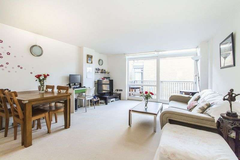 2 Bedrooms Flat for sale in Huge 2 bedroom apartment that's drowned in natural light