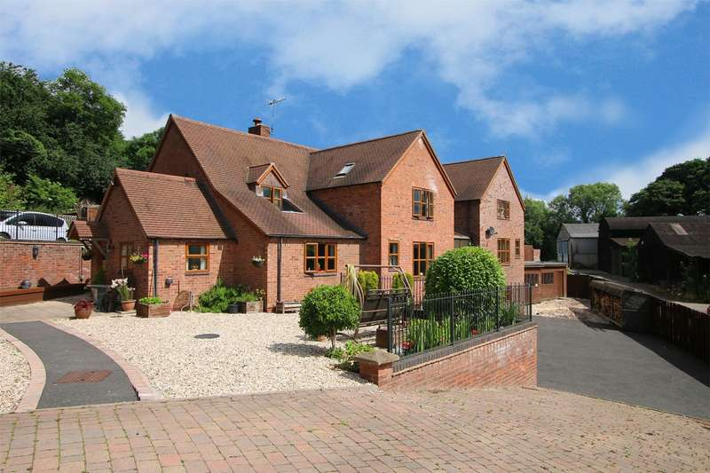 5 Bedrooms Detached House for sale in Hinksford Lane, Hinksford