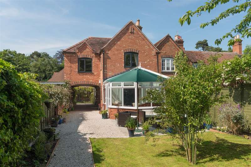 4 Bedrooms Property for sale in Tavern Lane, Stratford On Avon