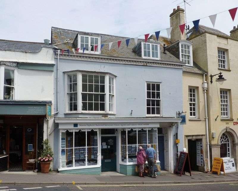 2 Bedrooms Flat for sale in Broad Street, Lyme Regis