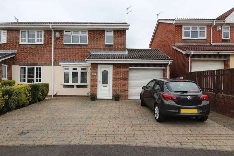 4 Bedrooms Semi Detached House for sale in The Cheyne, Hall Farm