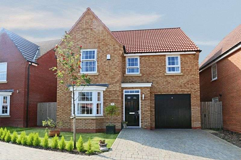 4 Bedrooms Detached House for sale in Ravensbury Park, Kingswood