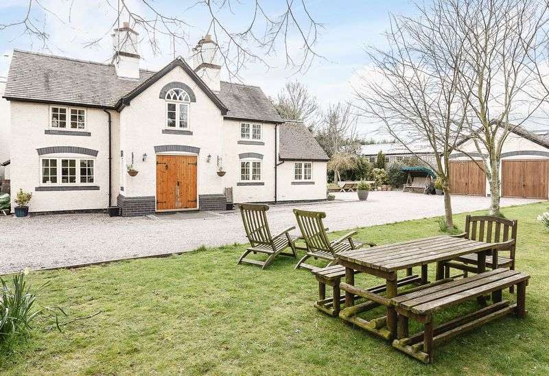 4 Bedrooms Detached House for sale in Audlem Road, Hankelow