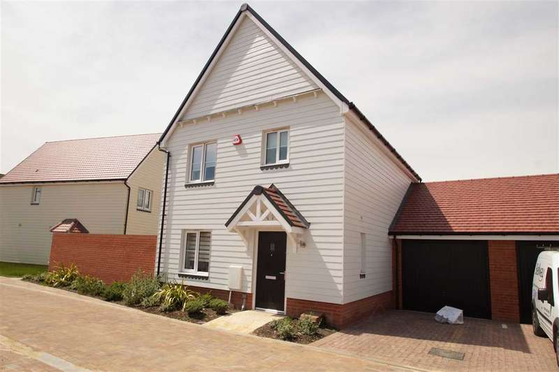 3 Bedrooms Detached House for sale in James Mayger Chase, Colchester