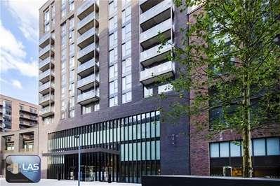 2 Bedrooms Flat for sale in Nine Elm Lane, London