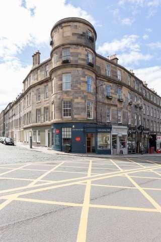3 Bedrooms Flat for sale in Barony Street, Edinburgh, EH3 6PE