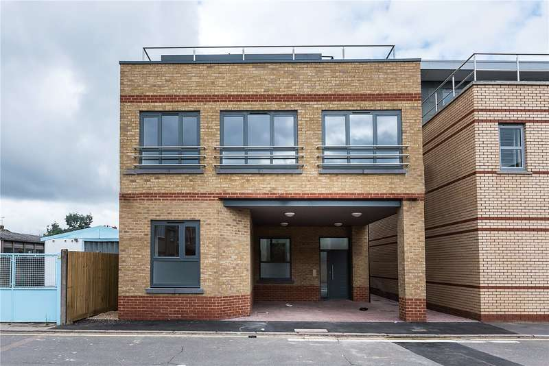 1 Bedroom Flat for sale in Mill Place, Kingston upon Thames, KT1
