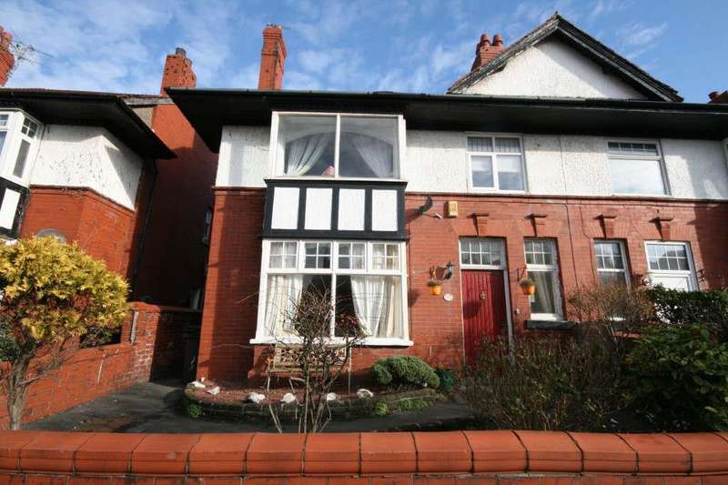 4 Bedrooms Property for sale in All Saints Road, St Annes, Lytham St Annes