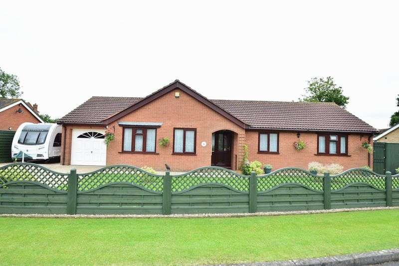 3 Bedrooms Detached Bungalow for sale in Beck Way, Louth